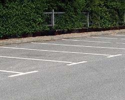 Comment choisir sa peinture de parking extérieur ?
