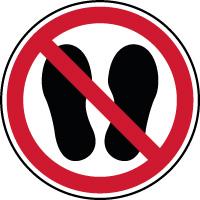 Panneau interdiction d'entrer avec des chaussures