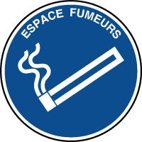 Panneau d'information rond avec texte espace fumeurs