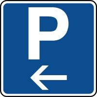 Panneau indication de parking situé à gauche