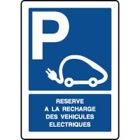 Panneau vertical réservé recharge véhicules électriques
