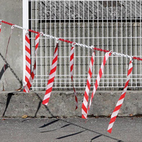 Barrière de chaîne Ø 8 mm avec rubans hachurés