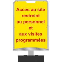 Panneau d'information accès au site restreint